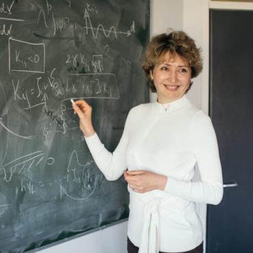 Тяжело ли женщине сделать карьеру в науке? Рассказывает Наталья Берлова, профессор Кембриджа