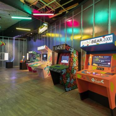 Выставка видеоигр, школа рыцарей, акулы. Куда пойти с детьми в Лондоне в half-term