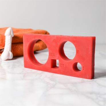 Кактусы, презервативы, грелки и абсурд. Чего только не выпускают в форме сердец к 14 февраля!