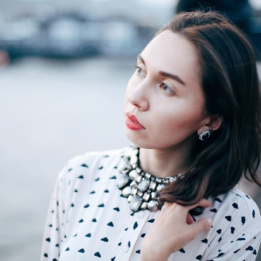 Базовый весенний гардероб от Рамины Зимульдиновой: пять незаменимых вещей