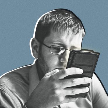 Что такое FOMO и как соцсети вместо общения принесли людям боль и разочарование