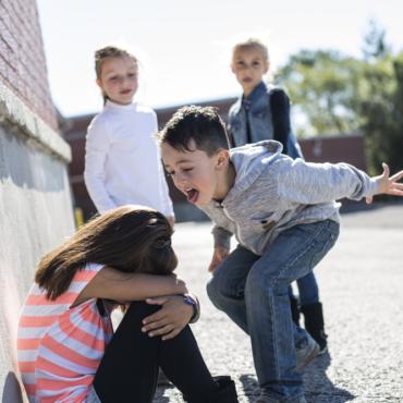Буллинг в английских школах: истории четырех русскоязычных детей