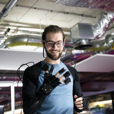 Haptic technology: русские разработчики проектируют в Лондоне искусственную руку
