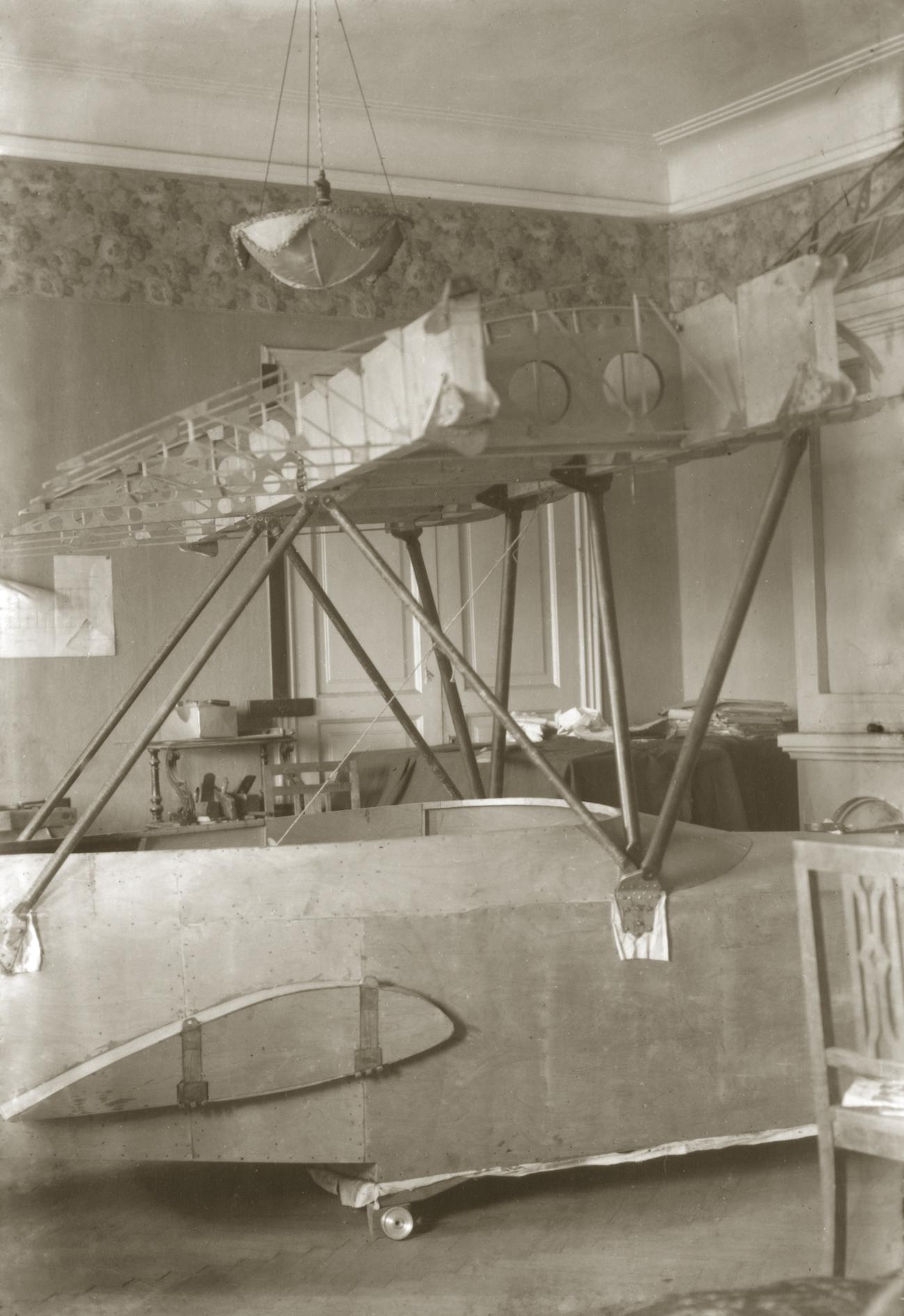 Создание самолета Ш-1 в коммунальной квартире Корвин-Кебера