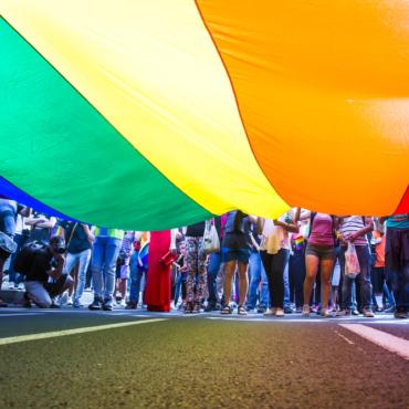 «Queer», «cisgender», «deadnaming». Проверьте, хорошо ли вы знаете ЛГБТ-лексику