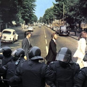Неделя с Дмитрием Сошиным: протесты недопущенных, невиноватый Путин, фото на Abbey road – 50 лет