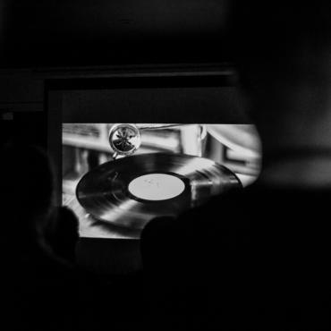 Офлайн – это новый черный. Смотрим короткометражки в ZIMA Soho Underground