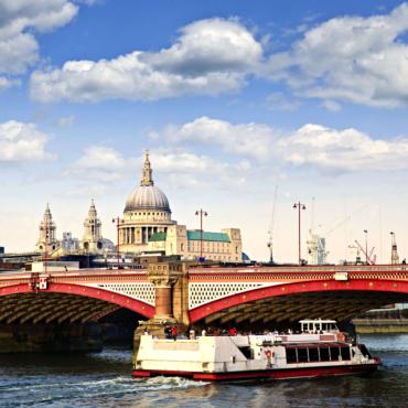 Через Темзу. Истории лондонских мостов от Ильи Файбисовича