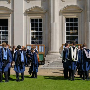 Традиции: Оксфорд vs Кембридж