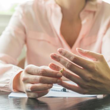 Без любви и денег: как пережить процесс развода