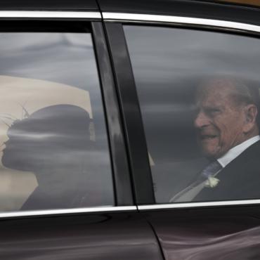 Принц Филипп уже четвертый день в больнице. Он может не успеть вернуться домой к Рождеству