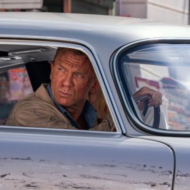 Новый Бонд, шведский хоррор, русская черная комедия: 10 фильмов весны