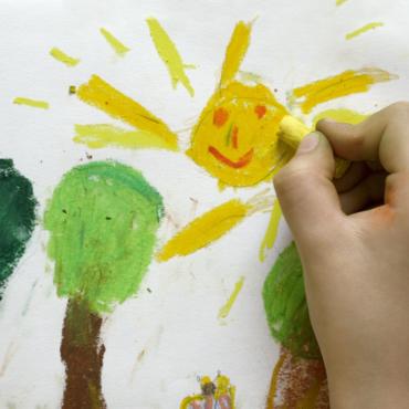 «Детские» вопросы к карантину: что с оплатой детсадов и можно ли ездить к папе?