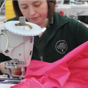 Mulberry сошьет 8 000 медицинских халатов для NHS