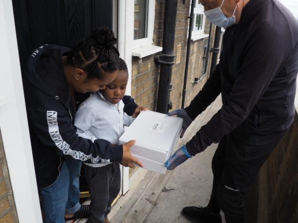 Дети в Лондоне получат бесплатные арт-наборы
