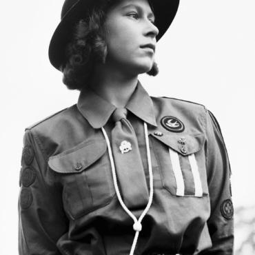 Королевские хроники: военные фото Елизаветы II
