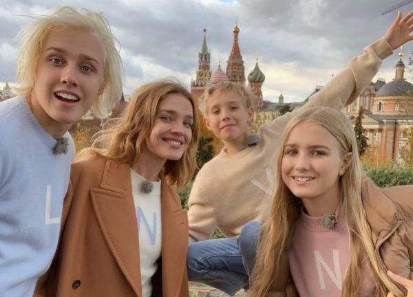 Наталья Водянова со своей семьей