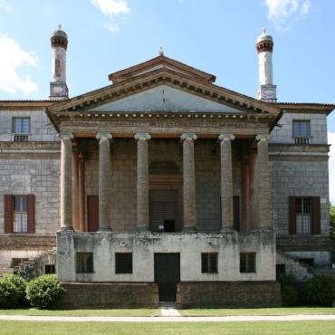 Как бразильский еврей и английский аристократ спасли исторический венецианский дворец и вернули его законным владельцам