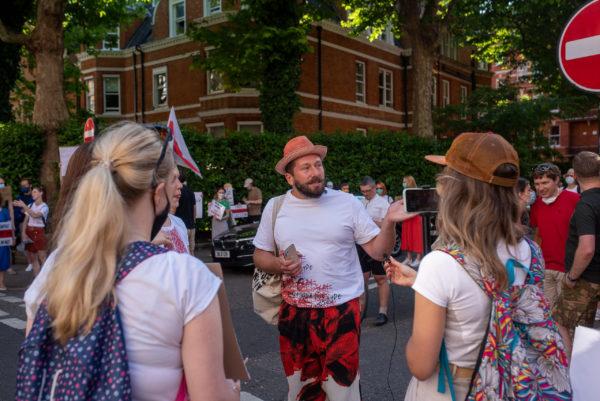 Евгений Чичваркин на мирной акции в Лондоне