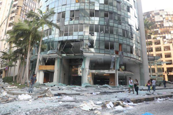 Разрушенное здание в Бейруте