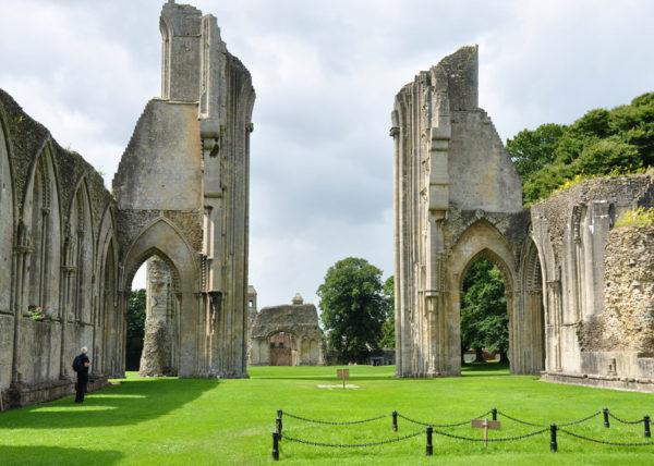 Развалины Гластонберийского аббатства