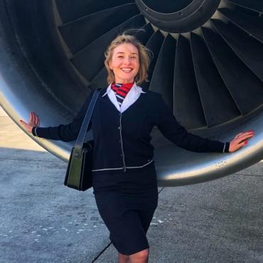 Стюардесса — о полетах во время пандемии и том, как получить работу в Великобритании