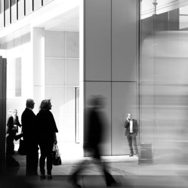 FT: «До свидания, старая экономика». Что говорят о «городах-призраках» и возвращении в офисы