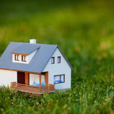 Как нерезиденту безопасно купить землю на территории Украины