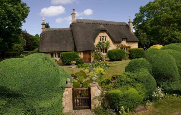A pretty thatched cottage in the Cotswolds market town of Chipping Campden