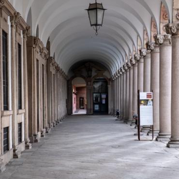 Как сейчас работают британские университеты: правила, цены, ограничения
