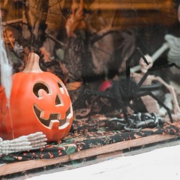 «Кошелек или вирус?»: как будут отмечать Хэллоуин в Англии и Шотландии