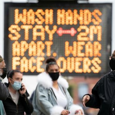 Утихли стадионы, закрылись универы: как Манчестер переживает пандемию