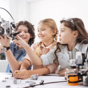 Профессии будущего и digital-навыки: чем занимается проект GeekTribe
