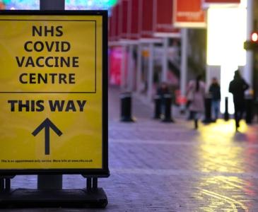 Глава британского МИД сообщил сроки вакцинации взрослого населения