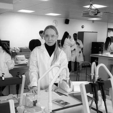 Анна Харди — медсестра в COVID-реанимации