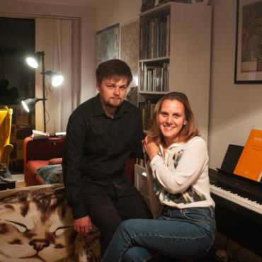 «Любой гений — это 5% таланта и 95% пота». Как совмещать работу итворчество: история пианистов Полины и Михаила