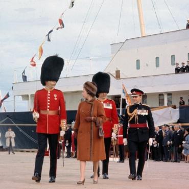 Борис Джонсон предложил построить королевскую яхту стоимостью в £200 миллионов