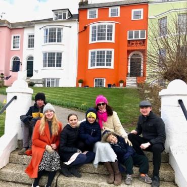 Команда Брагиных. Многодетная мама — о том, как воспитать шестерых детей в Англии