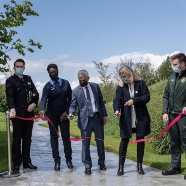 В Олимпийском парке открыли мемориальный сад в память о лондонцах, погибших в пандемию