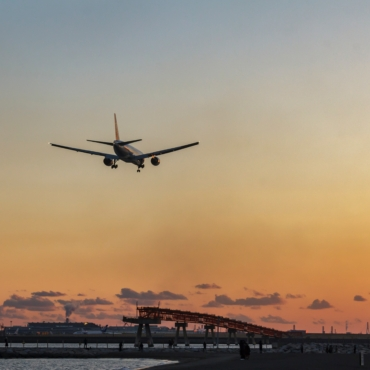 Стоимость авиабилетов на популярные направления для отдыха выросла в несколько раз