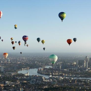 Пятьдесят воздушных шаров поднимутся в небо над центром Лондона