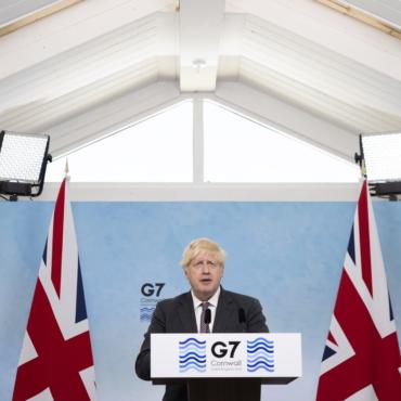 Маша Слоним. Веселая встреча G7 на английском пляже