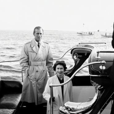 В память о герцоге Эдинбургском. Какие актеры сыграли принца Филиппа в кино