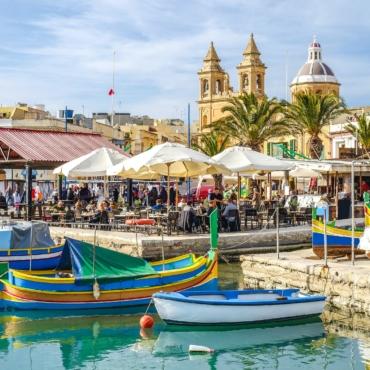 Мальта введет карантин для непривитых от коронавируса британских туристов