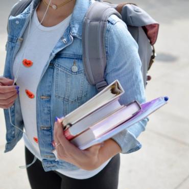 Опрос: половина британских студентов недовольна качеством образования в этом году