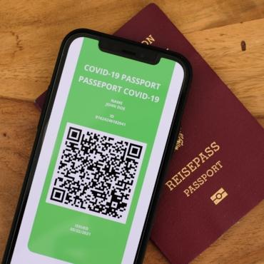 Миллион европейцев получил ковидные паспорта для путешествий
