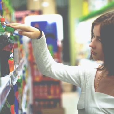 Эксперты: Цены на продукты в британских магазинах могут вырасти этой осенью
