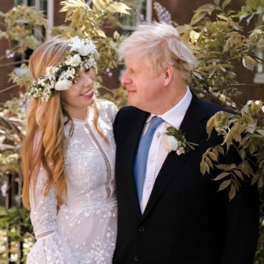 Маша Слоним. Невеста была босиком и в платье напрокат