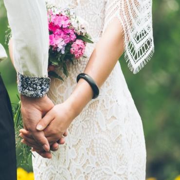 Без танцев и фуршета: с 21 июня в Англии разрешат проводить пышные свадьбы