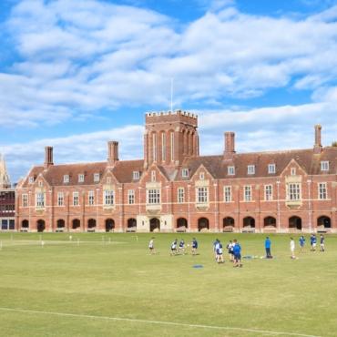 Почему семьи со всего мира выбирают британские школы-пансионы